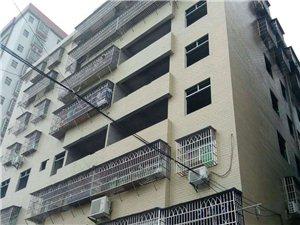 新城区通旺旁边4室2厅2卫46万元
