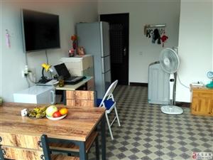 急售−−-巴马县坡月村六队套房,可使用16年.