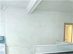 二中附近天地房精装修2室1厅2卫165万元