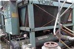 上海专业回收中央空调,回收开利,特灵螺杆式中央空调