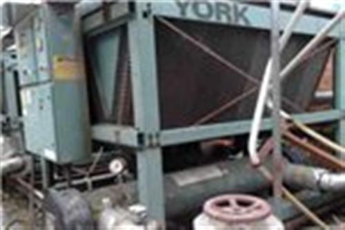 上海專業回收中央空調,回收開利,特靈螺桿式中央空調