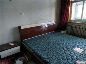西苑小区2楼75平带家具+空调1000元/月