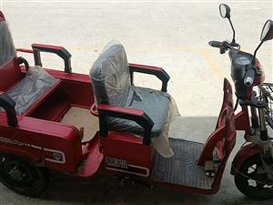 出售95成新爱玛电动三轮车
