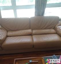 出售真皮沙发2套