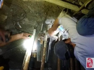 专业修水电太阳能打墙孔疏通管道瓦工防水切