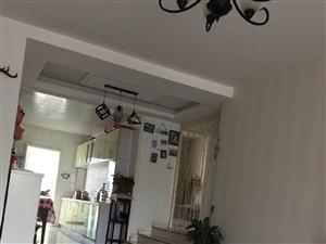 春港花园三室1楼小院121平