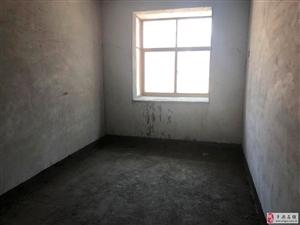 健康路健康新城对面.3室2厅2卫45万元