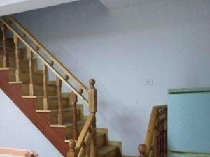 凤凰园小区3室1厅2卫22万元