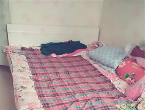 1.5米大床、电热水器、餐桌