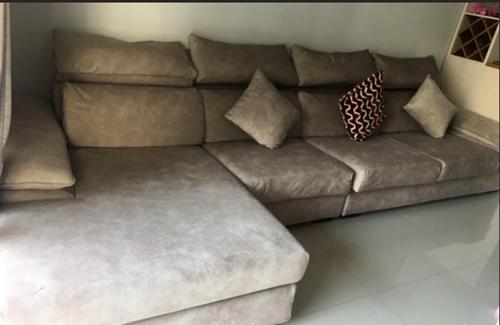 出售很新沙發一套
