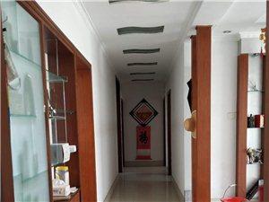 急售西苑小区3楼118平精装95万元免税