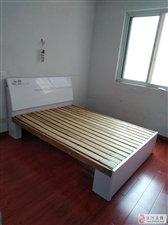 亿豪泊景城(西环路)3室2厅2卫900元/月
