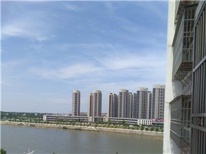 东方半岛4号楼三室精装电梯房A80621