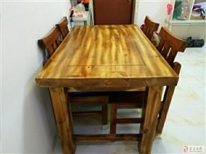 出售纯木桌椅一套450元