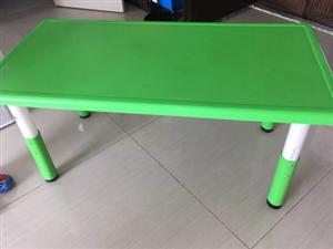 幼儿园全新桌子 椅子自取