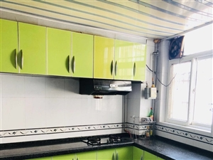 新时代花园3室2厅1卫精装修送家具家电可按揭
