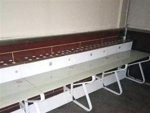 老城网吧低价转让,桌椅低价出售,八成新
