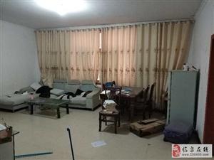 香怡小区1楼3室2厅 家具家电齐全 年租1.5万