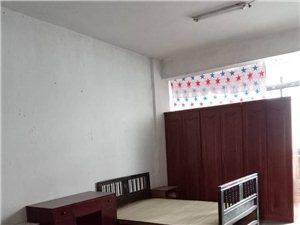 纺织品公司院内荆虹雨林写对1室0厅1卫400元/月