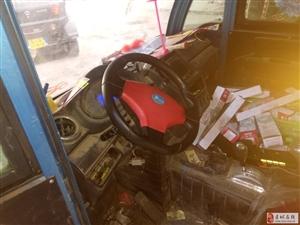 出售行车一年电瓶车驾驶室正面1.3*侧面1.3*高