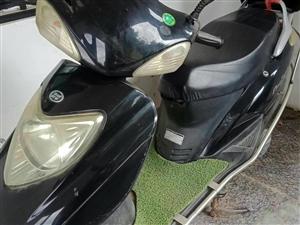 出售一辆踏板摩托车