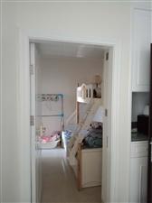 山水湾精装修房屋3室2厅2卫仅售132万元
