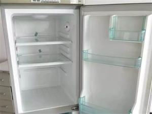 冰箱一个  柜式空调