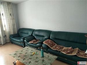 清风小区4楼120平精装带家具1200元/月