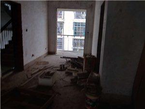 富豪花园4室2厅2卫43.8万元
