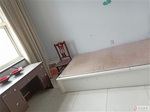 龙兴嘉园3室2厅1卫650元/月