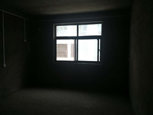百合都市领域3室2厅2卫57万元