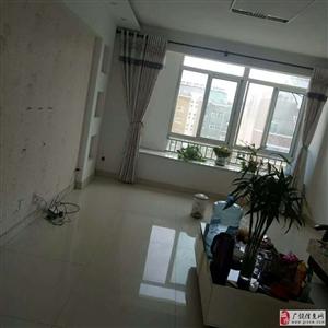 凯泽名苑3室2厅1卫精装带车库带家具
