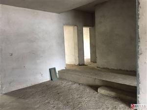 滨江花园A区步梯3楼4室2厅2卫40万元