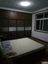 老葡京平台市中心湖小区3室2厅2卫800元/月