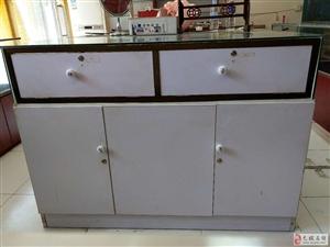 出售二手柜台,九成新,可做展示柜