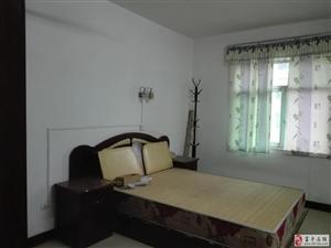 3室1厅1卫600元/月