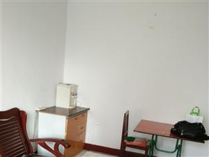 建安里1室1厅1卫700元/月(中介勿扰)