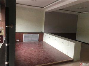 1室1卫3200元/月出租迎宾湖东面中鹏嘉年