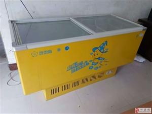 两台八成新的节能型的冰柜出售
