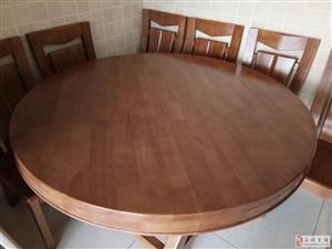有套圆餐桌想卖掉搬家时买大了,可以饭店用纯实木