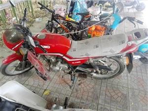 个人钱江125摩托车低价卖出
