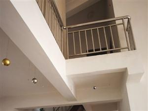 亏钱急售:蓝湾半岛5室3厅2卫中装均价2300