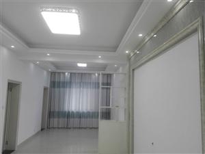 【融家】步行街3室2厅2卫32.8万元