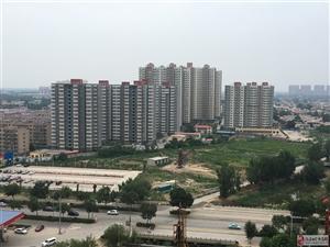 建材小区高层3室2厅2卫145万元