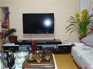 旗城家园3室2厅1卫1300元/月