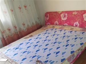 出售95成新木床一张
