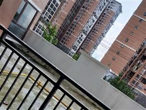 华龙城3室1厅3卫52万元 8栋3-102房