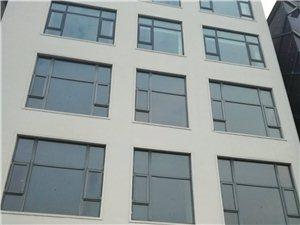 县城歌迷KTV旁三层门面房800平方,免一年房租