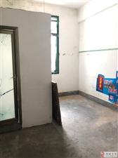 小圆弧,3楼,2房1卫(煮饭放走廊)空房简装