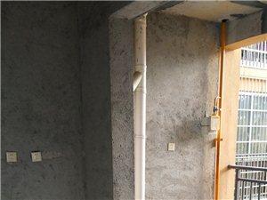 新中医院电梯三房出售
